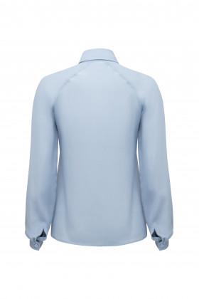 Шелковая блуза с диагональными рельефами голубая