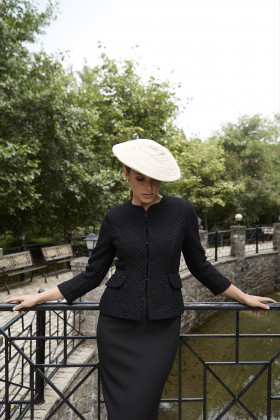 Жакет в стиле Шанель черный